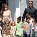 Джоли и Питт наняли киберохранников присматривать за детьми в интернете