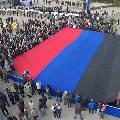 30-метровый флаг ДНР подняли в центре Донецка