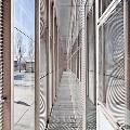 В Испании построили школу с небьющимися окнами