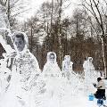 В парке «Сокольники» открыли ледяную арт-галерею
