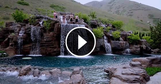 Эко-бассейн за 2 миллиона долларов: природный ландшафт, водопады, гейзеры, водные горки и даже дайвинг