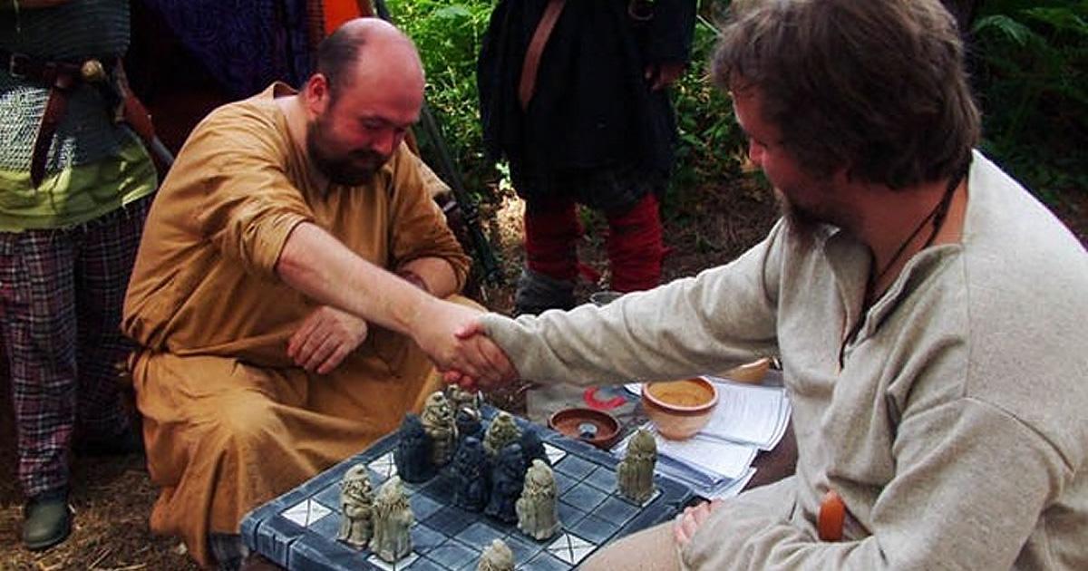 10 самых древних в истории настольных игр, в которые люди играют и сегодня