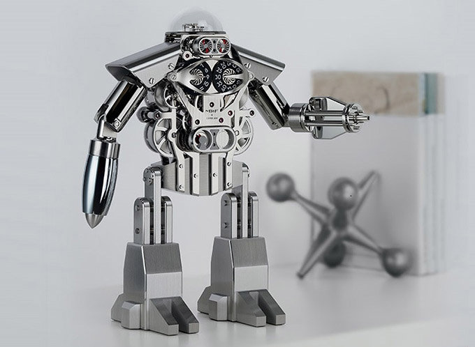 Механические часы в виде робота, способные разбудить ребенка в каждом взрослом