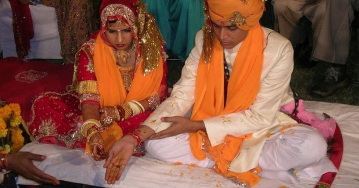Брак между одной женщиной и несколькими мужчинами