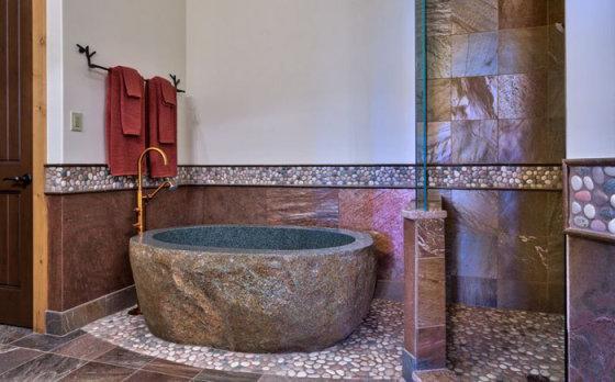 Натуральные материалы в интерьере: оригинальный декор в ванной комнате