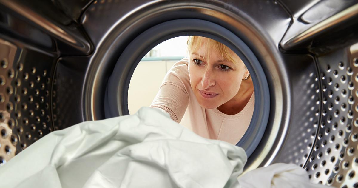 Стираем» стиральную машину: Эффективное домашнее средство, которое убирает неприятный запах и плесень