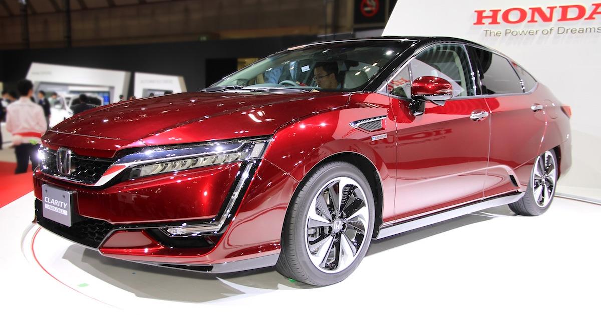 Honda выпустила на рынок впечатляющий водородный автомобиль