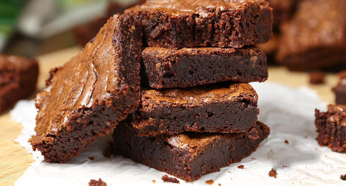 Самый шоколадный брауни из трёх ингредиентов всего за 20 минут
