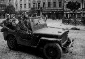 Автомобили: Легенды Второй мировой войны: внедорожник  Willys MB