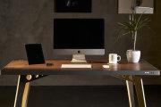 Гаджеты: «Умный» стол, который сам заряжает смартфон и подогревает чай: от российских производителей