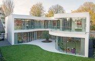 «Обманчивая закрытость»: дом, неказистый с улицы, но потрясающий со двора