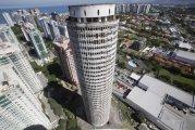10 заброшенных небоскребов, которые можно увидеть в разных уголках мира