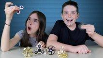 Спиннер - самая популярная игрушка в мире, которая отвлечёт детей от гаджетов