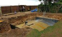 Сначала соседи подумали, что парень роет землю для бассейна, но результат оказался гораздо круче