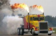 Самый быстрый грузовик в мире, попавший в книгу рекордов Гиннесса, обгоняет даже самолеты