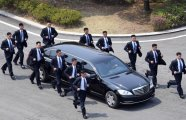 Общество: Бегущие телохранители Ким Чен Ына: кто сопровождает северокорейского лидера
