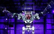 Автомобили: В Южной Корее построили 4-метровый боевой робот, который уже умеет ходить