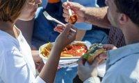 Гаджеты: С каким продуктами питания человек поглощает и пластик в придачу