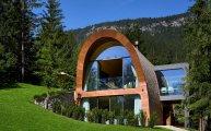 Архитектура: Романтическое шале в Альпах, удивляющее экологичностью и современным дизайном