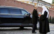 Автомобили: Чем бог послал: какие автомобили есть в гараже патриарха Кирилла