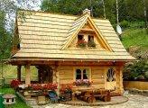 Архитектура: Крошечный бревенчатый дом площадью всего 27 кв. метров, в котором есть все для удобства